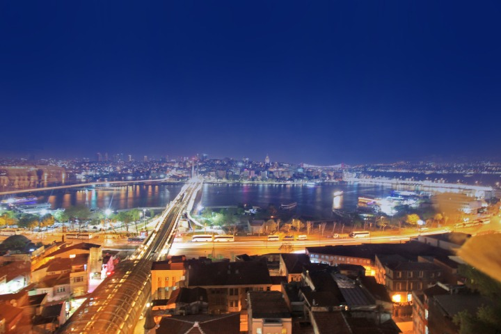 Istanbul night photo
